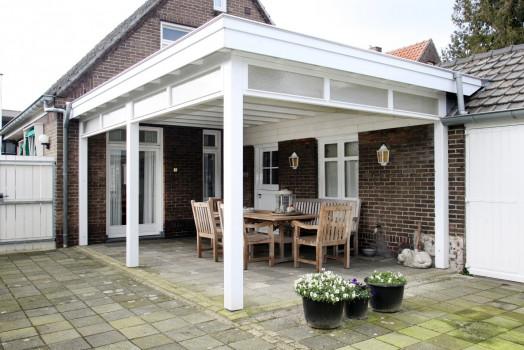 Creëer sfeer met een veranda in landelijke stijl aan uw huis