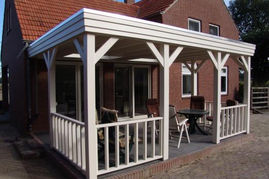 Kies uit talloze opties voor het bouwen van houten veranda's